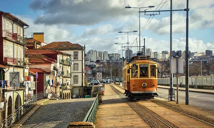 La Chine rentre dans le capital de l'EDF portugais