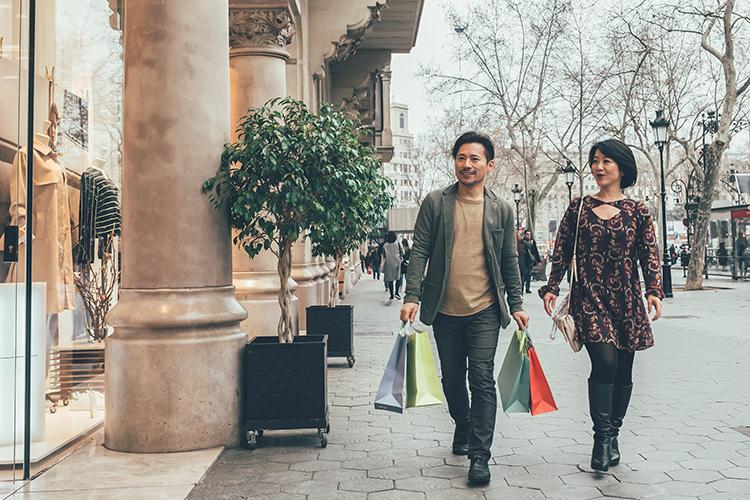 Les chinois préferent acheter les produits de luxe hors de Chine