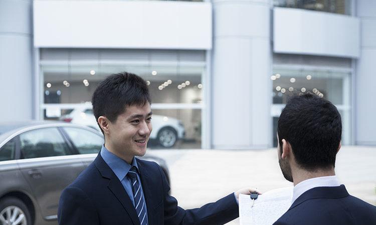 La Chine va vendre deux fois plus de voitures de luxe que les Etats Unis