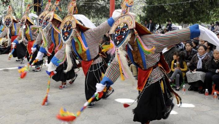Festival-de-Shoton-au-Tibet-Chinecroissance